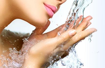 世界で初めて抗酸化力を持つ美容水